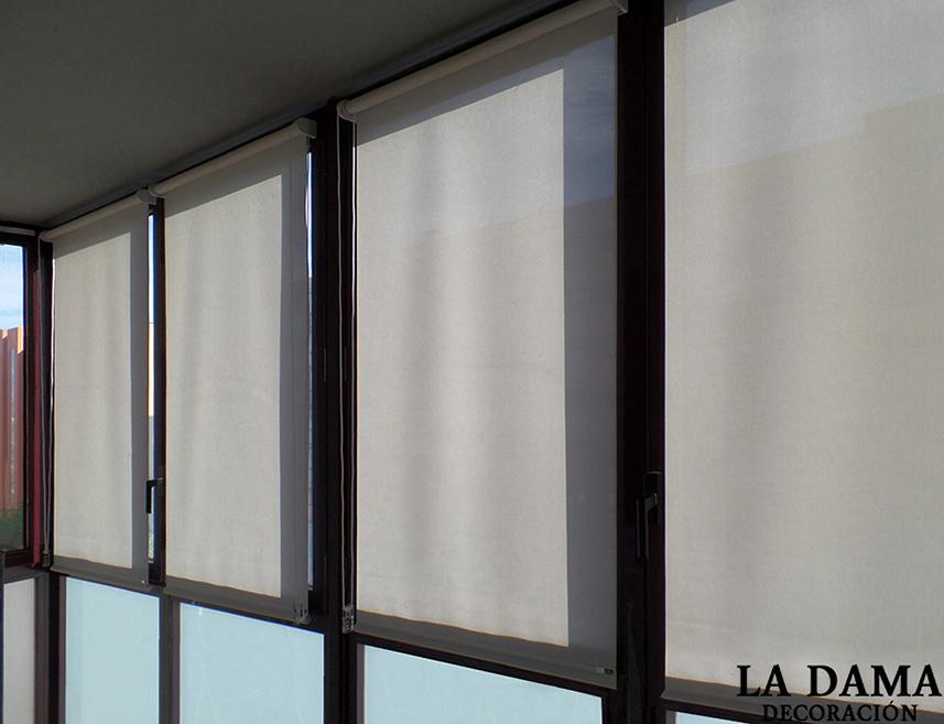 Cortinas de screen para exterior en zaragoza la dama for Cortinas para exterior