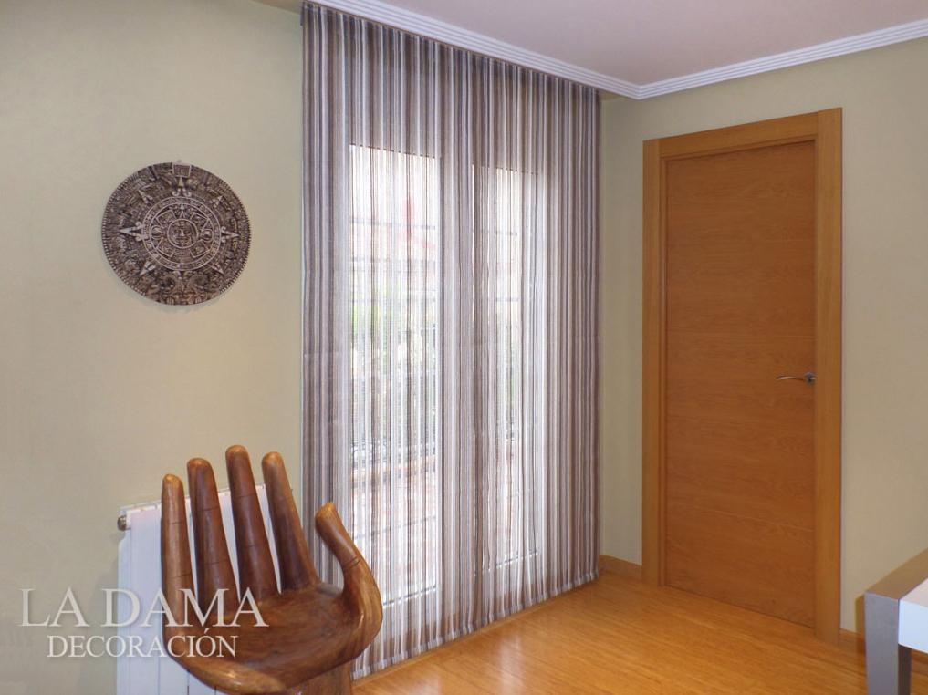 Cortinas para casas peque as consejos y ejemplos for Cortinas lisas para salon