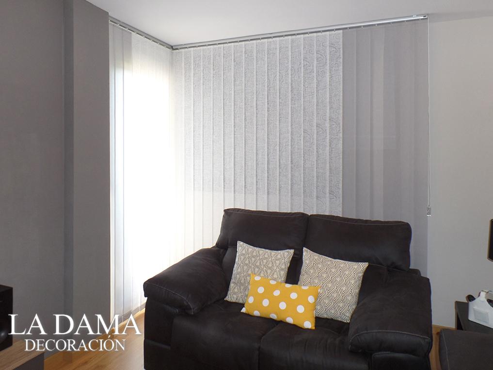 Cortinas verticales grises la dama decoraci n for Cortinas grises