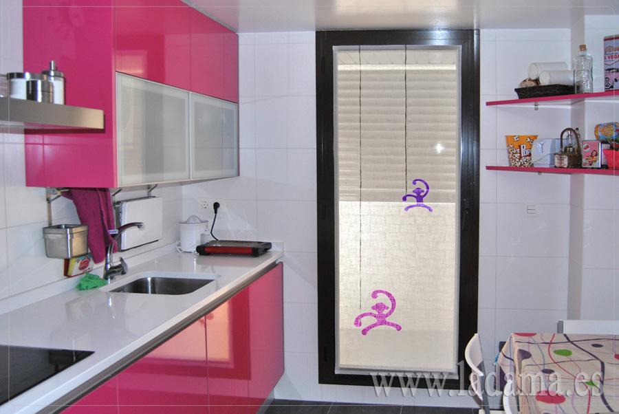 Visillo para cocina moderna la dama decoraci n for Simulador cocinas online