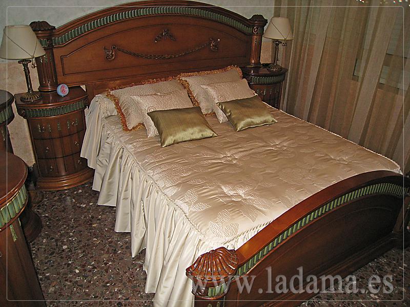 Colchas y edredones cl sicos confeccionados a medida la - Colchas de cama modernas ...