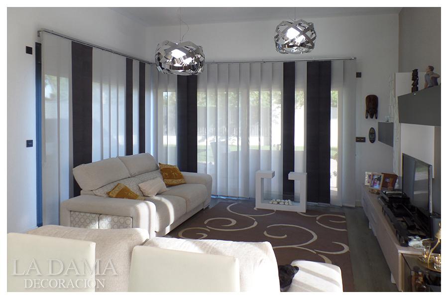 Cortinas en blanco y negro ideas para decorar - Cortinas para salon estilo moderno ...
