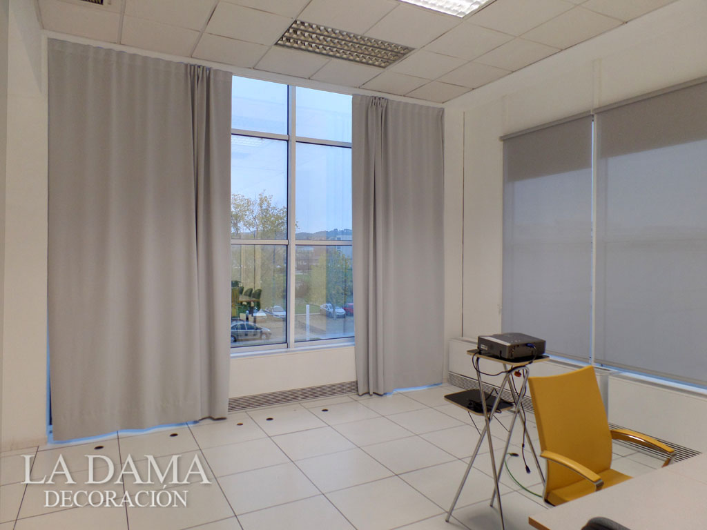 cortina opaca sala de reunión