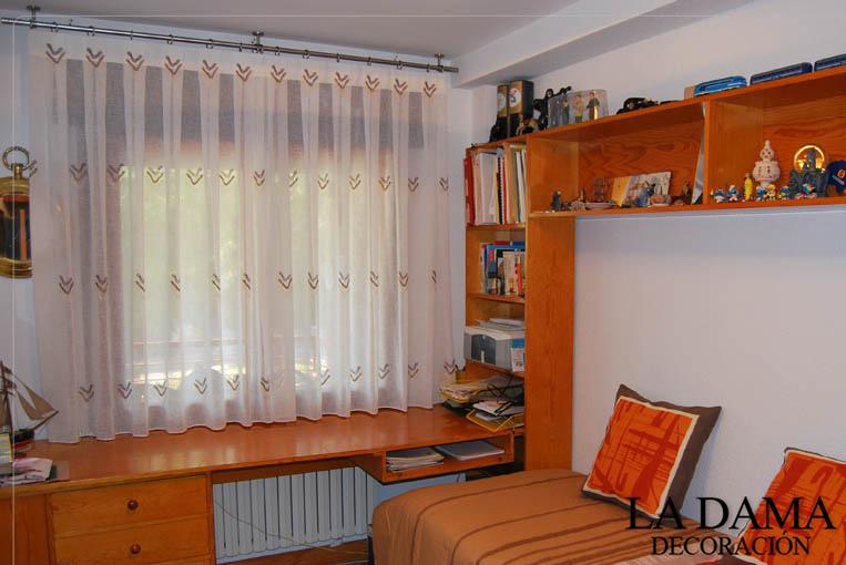 Cortina con Barra en Dormitorio Juvenil