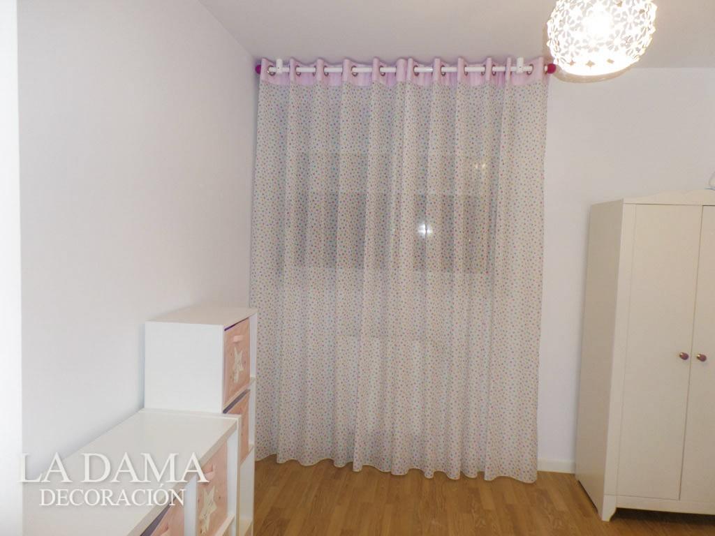 Cortina con Barra en Dormitorio Infantil